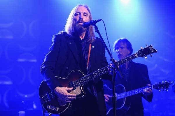 Los Angeles police deny confirming Tom Petty's death to CBS