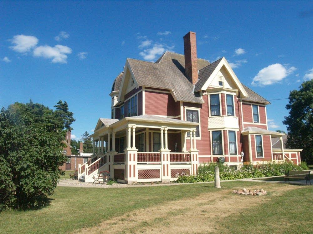 Gunderson House