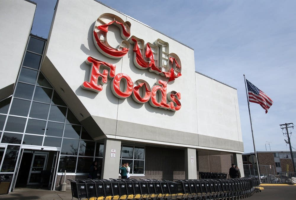 Melted Cub Foods sign