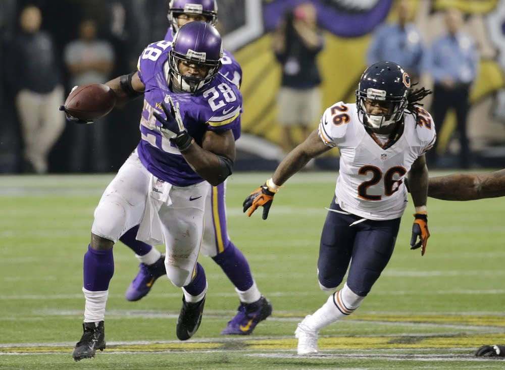 Adrian Peterson, Tim Jennings