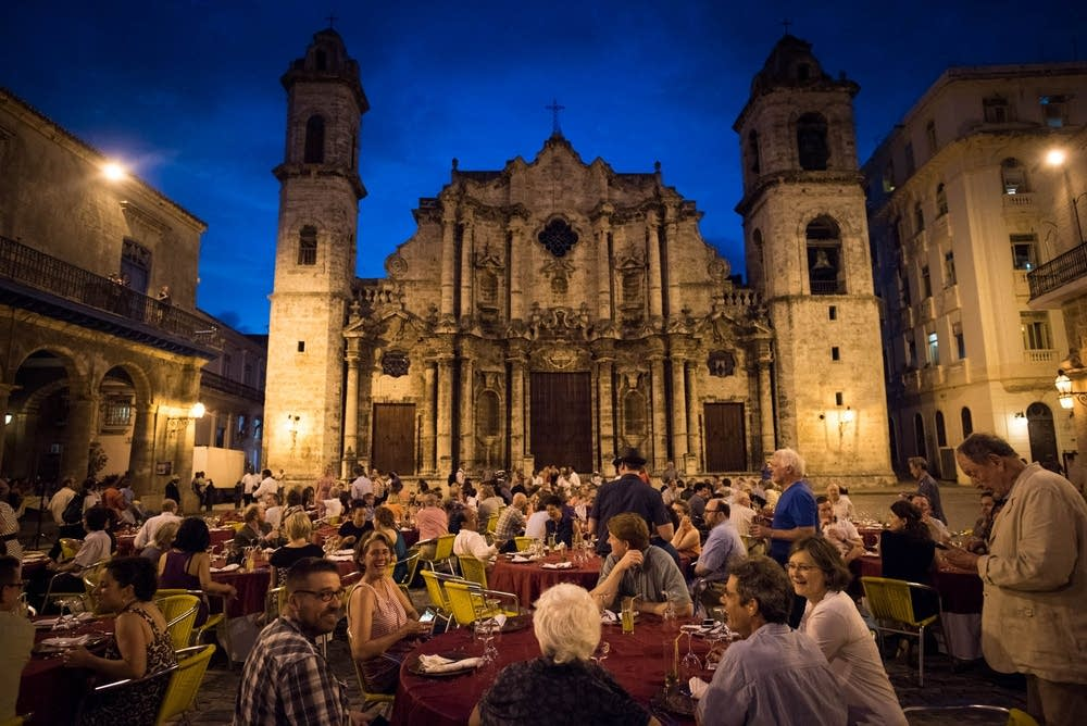 Dinner in the Plaza de la Catedral