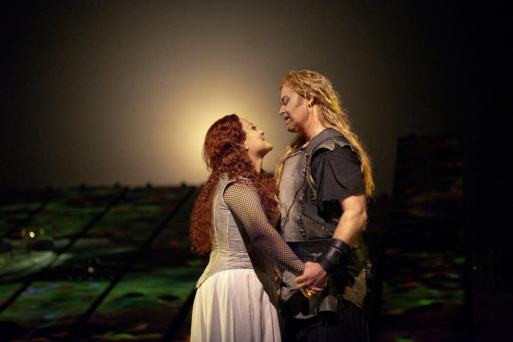 Morris as Siegfried and Voigt as Brunnehilde