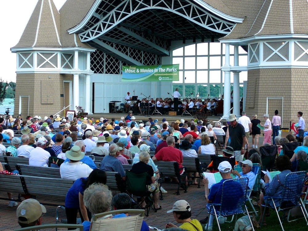 minneapolis pops lake harriet