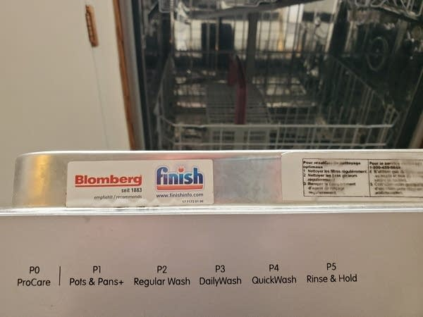 Photo of dishwasher settings - Pro-Care, Pots/Pans, Daily Wash, etc