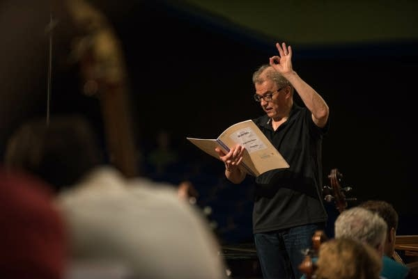 Osmo shares notes with Minnesota Orchestra