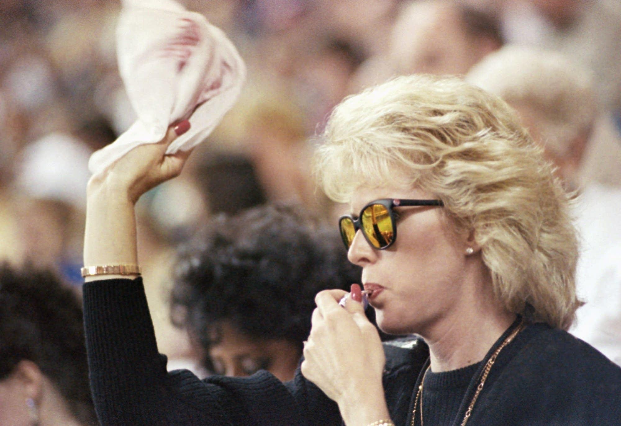 Patty Blyleven waves her Homer Hanky