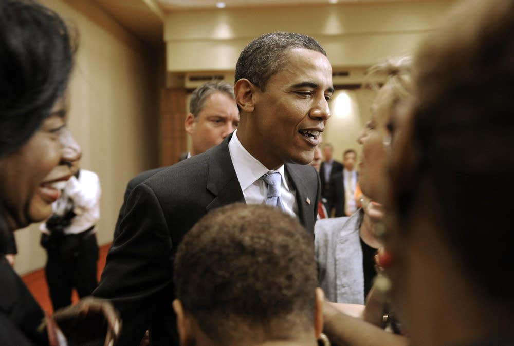 Obama visits Illinois delegates