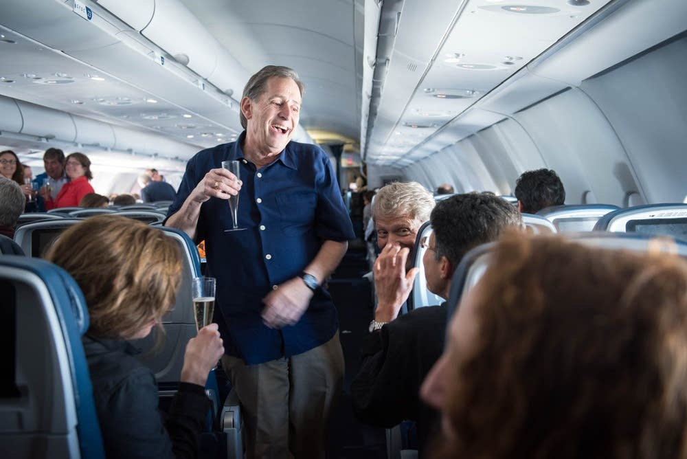 Champagne toasts as the orchestra headed to Cuba.