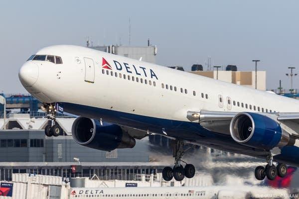 Delta flight headed to Orlando.