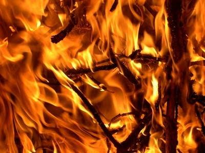 740235 20130507 fire burning