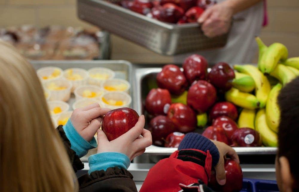 Choosing fruit