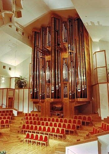 1990 Visser-Rowland organ at Wooddale Community Church, Eden Prairie,...