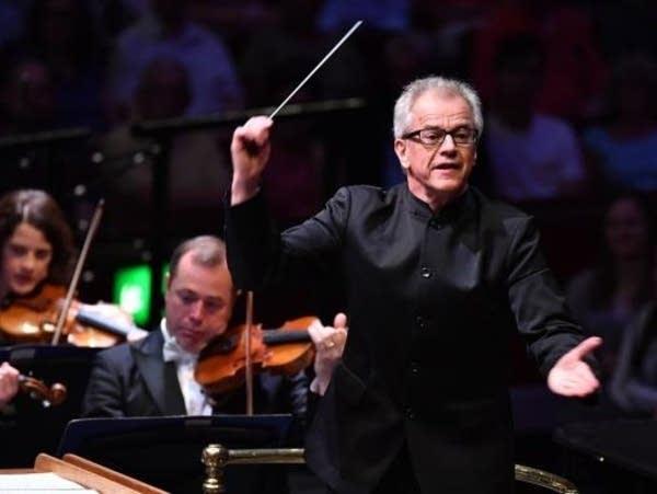 Osmo Vanska conducts at the 2018 BBC Proms