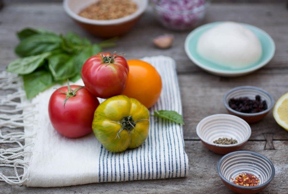 Tomato-mozzarella salad