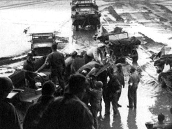 Vehicles carrying wounded soldiers