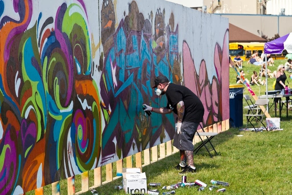 Live painting at Soundset 2012