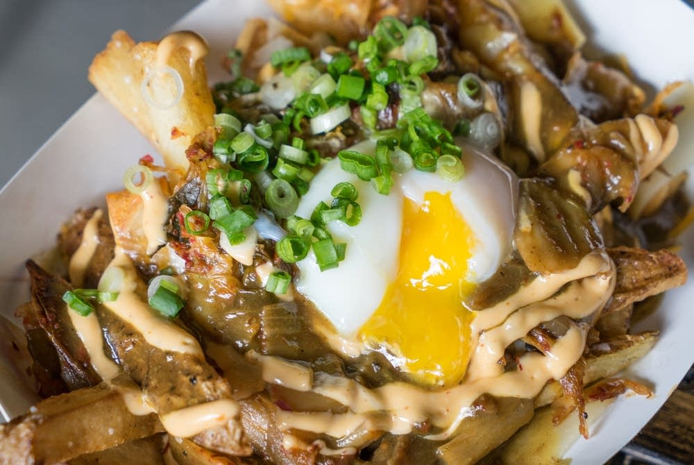 Kimchi 'n' curry poutine