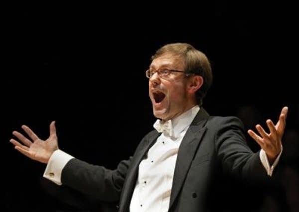 Conductor Simon Halsey