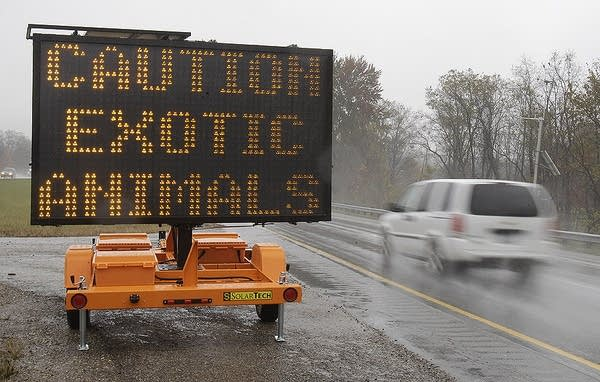 Exotic animal warning sign