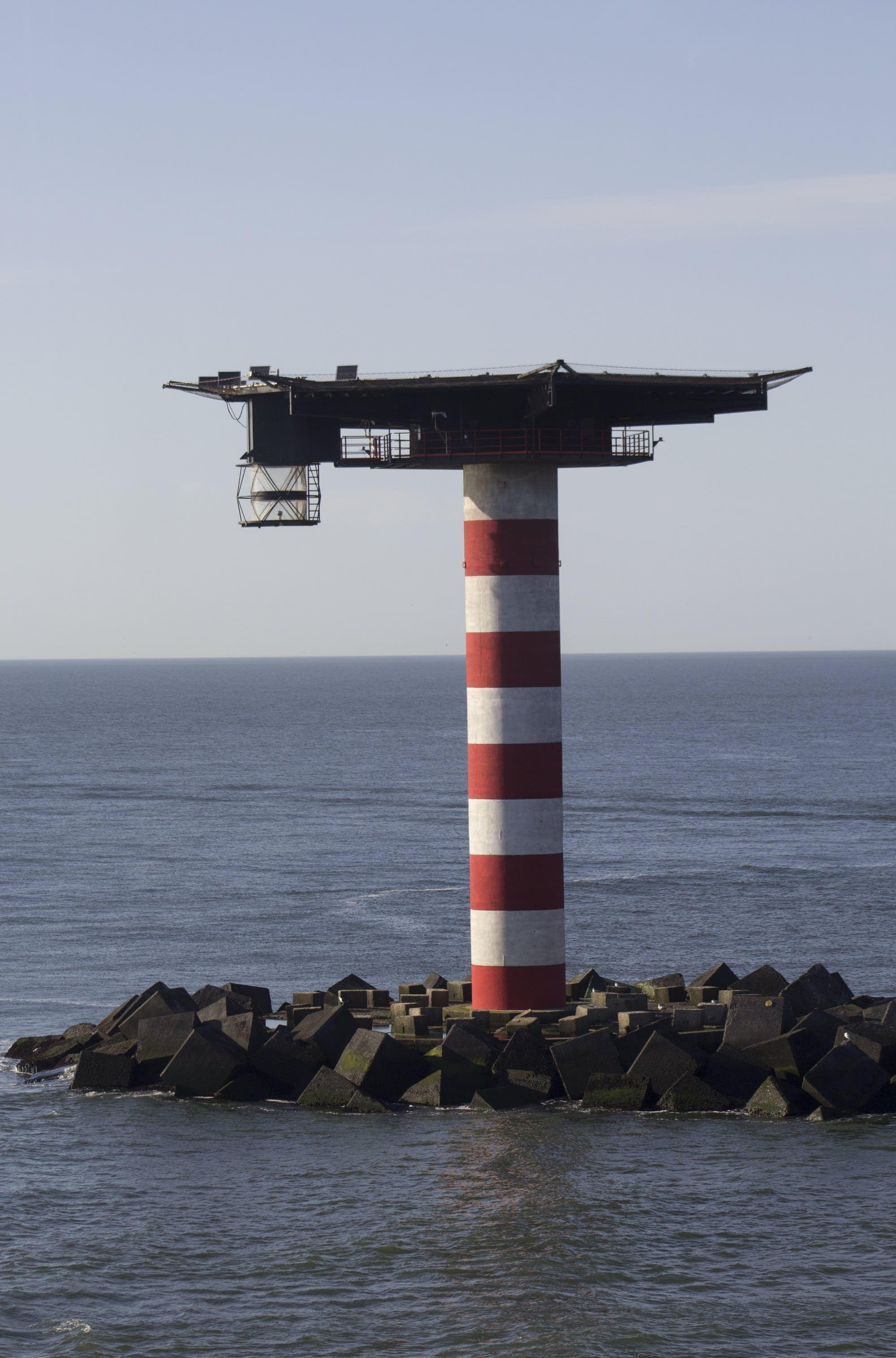 Leaving Rotterdam - lighthouse