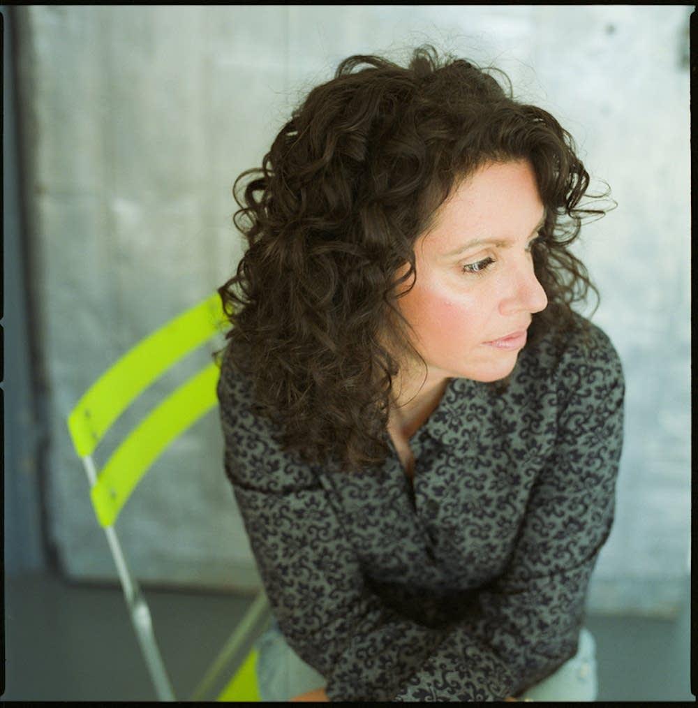 Lucy Kaplansky press photo