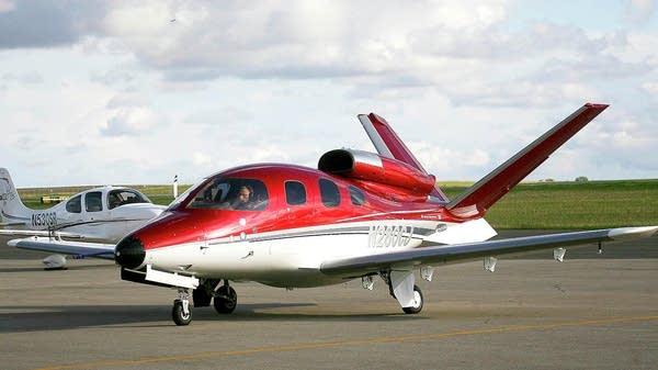 A Cirrus Vision SF50 jet