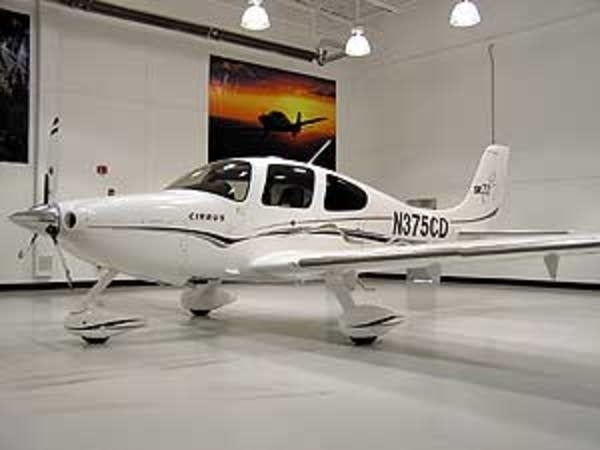 A Cirrus plane