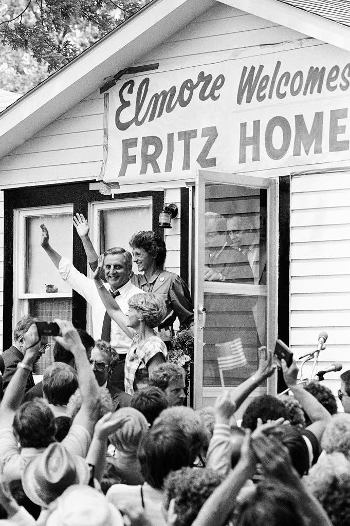 Mondale and Ferraro in Elmore, Minn.