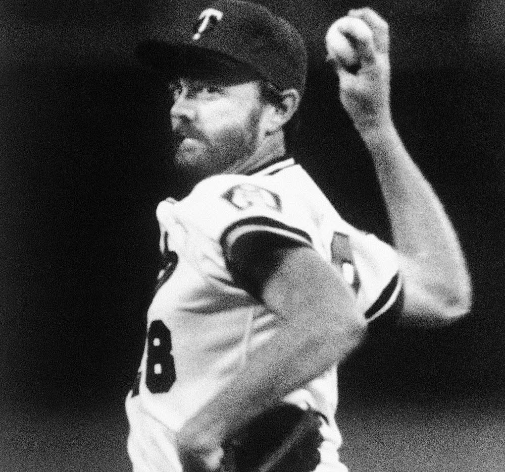 Blyleven throws his 3,000th strikeout