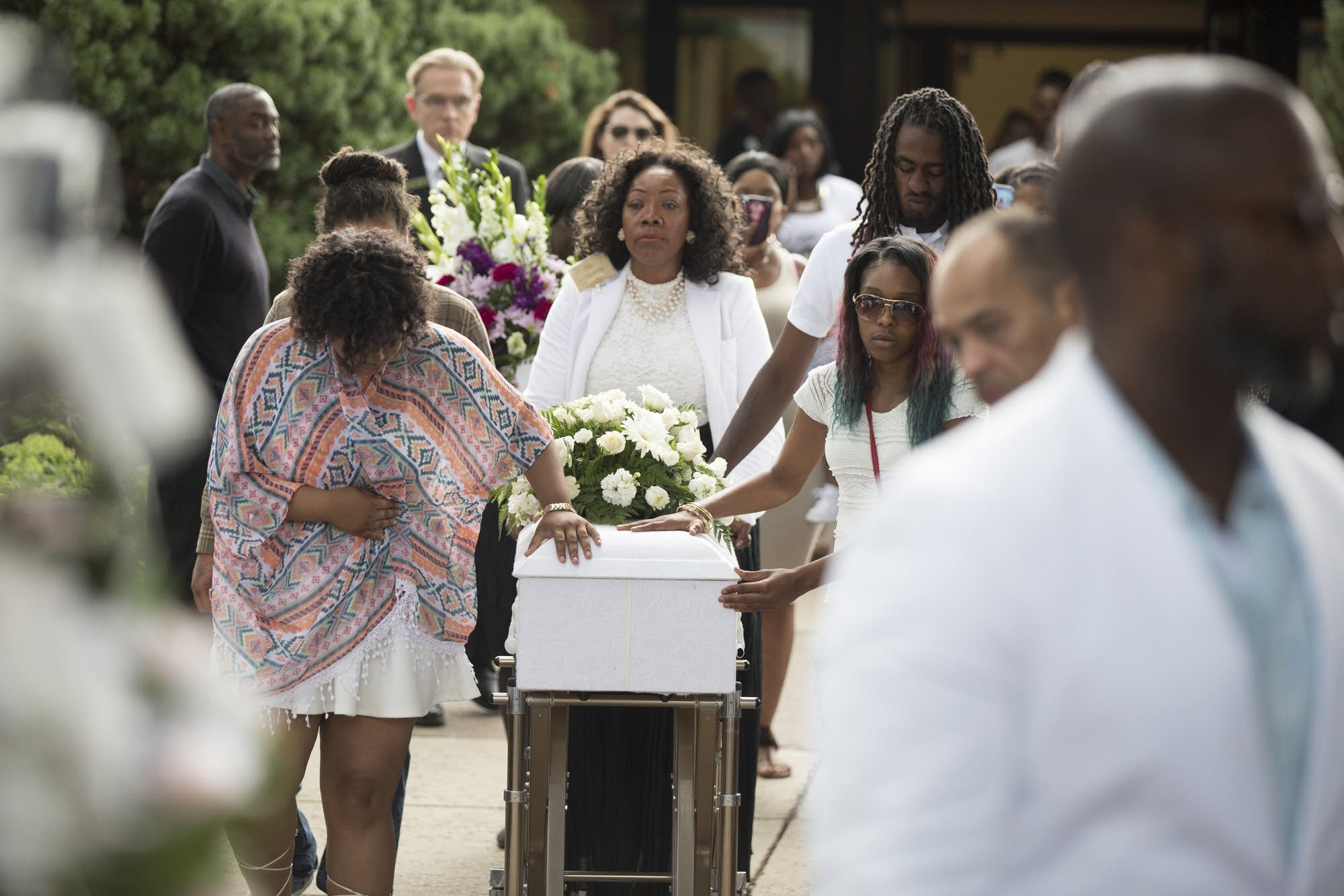 Family bring in Le'Vonte King Jason Jones' casket