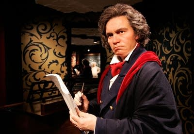 3bb6f3 20151009 beethoven at madame tussauds of berlin