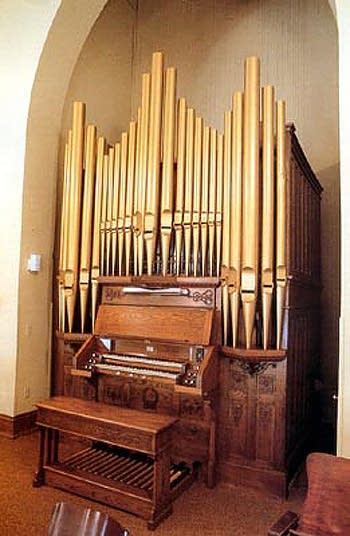1904 Weichardt organ at Saint John's Evanglical Lutheran Church, Lomira, WI